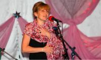 Поёт Вера Северин. Фото В. Бербенца