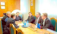 Обсуждение новых проектов с гендиректором «Звездочки». Фото Ю. Максимова