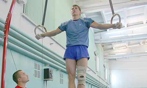 Крест Азаряна для Сергея Борового – обычная вещь. Фото В. Бербенца