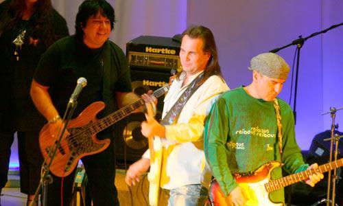 Фронтмены новых «Цветов» (слева направо): Александр Грецинин, Олег Предтеченский, Юрий Вильнин. Фото В. Бербенца