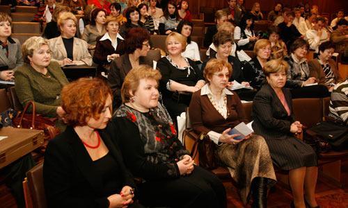С.О. Салугина и И.П. Никишина — слева в первом ряду. Фото В. Капустина