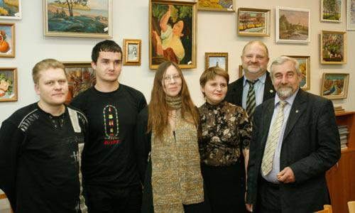 Доктор наук Киселев со своими учениками. Фото В. Капустина