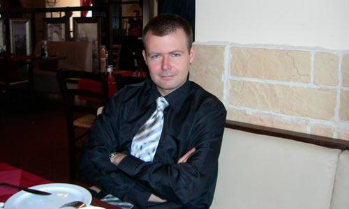 Столичной суете Сергей предпочел провинциальное спокойствие.