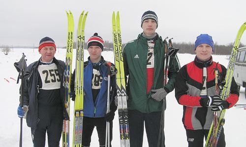 Ю. Сырник, С. Маклыгин, Е. Коробков и А. Минин перед стартом. Фото автора