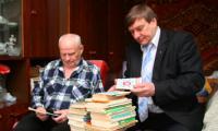 Н. Богачев и А. Молодцов: им есть что вспомнить. Фото В. Бербенца