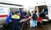 А эту женщину, провалившуюся под лед Заборихи, пришлось госпитализировать. Фото В. Бербенца