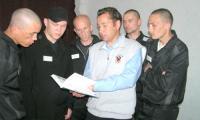 Алексей Климов отвечает на вопросы северодвинцев. Фото А. Ширшикова