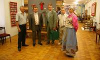 Экскурсия по музею для делегации Архангельска. Фото В. Бербенца