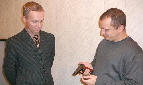 А. Кузнецов (слева) и А. Бачук.  Фото автора