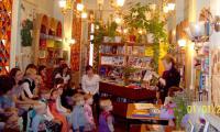Р.И. Пономарева посвящает внукам стихи и рисунки.  Фото автора