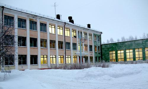 Школа № 33 может первой попасть под реорганизацию. Фото В. Бербенца