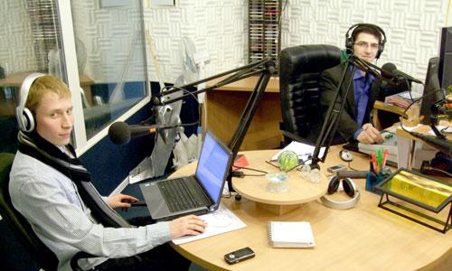 Радиодебют Эдуарда Климчени (слева) состоялся в связке с Артемием Артуровым. Фото В. Бербенца