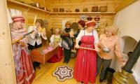 Зал «Русский северный дом» любят и посетители, и сами музейщики. Фото В. Бербенца