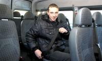 В новых автобусах предусмотрены ремни безопасности для пассажиров. Но как быть со старым автопарком? Фото В. Капустина