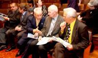 Обсуждение городской конституции  интересно жителям. Фото В. Бербенца