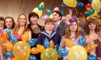 Финал конкурса — песню «Пусть всегда будет солнце!» поют все участники (в центре слева направо: Юлия Зуева, Паша Ждан, Настя Гончарова). Фото автора
