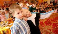Победители «Искорки» — группа «Котята» исполняет «Синий платочек». Фото В. Бербенца