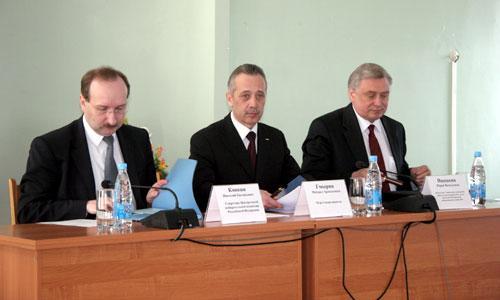 Н. Конкин, М. Гмырин, Ю. Ивашкин. Фото В. Бербенца