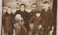 Мой дед был крепким деревенским мужиком, главой семьи, отцом четверых детей. Фото из семейного архива