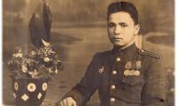 Гвардии младший лейтенант А.П. Дегтярёв в городе Дон-Шахе (Северный Китай, 1946 год). Фото из семейного архива