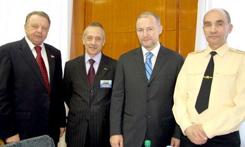 В. Попов, М. Гмырин, Р. Троценко, В. Высоцкий. Фото автора