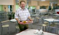 Директорский обед в новой столовой. Фото В. Бербенца