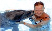Наталья Пучкова прошла тренинги по плаванию с дельфинами. Шарм-эль-Шейх, август 2009 года. Фото из архива автора