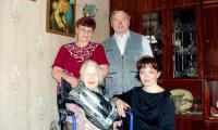 В семье сына. Фото из семейного архива