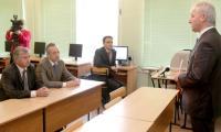 Об электронной школе рассказал начальник управления образования Сергей Попа. Фото В. Капустина