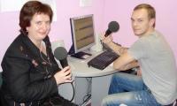 Ольга Карпова в эфире радио «Модерн-Северодвинск» с ведущим Сергеем Курбаном.