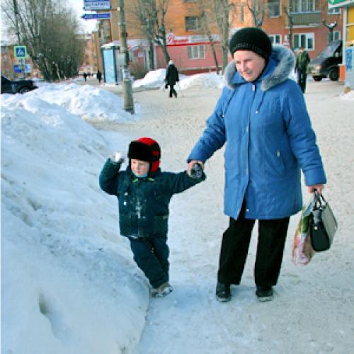 Прибавки от государства дождались пенсионеры и дети. Фото В. Бербенца