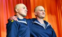 Песню «Товарищ» подготовили курсанты школы младших специалистов Илья Бойцов и Константин Ларин.