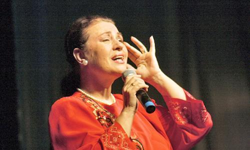 Валентина Толкунова во время выступления в Северодвинске в октябре 2007 года. Фото В. Капустина