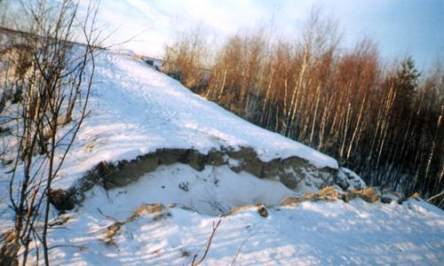 Рвы возле рельсов. Фото Л.О. Митряевой