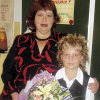 Е. Скрябина с одной из своих выпускниц.
