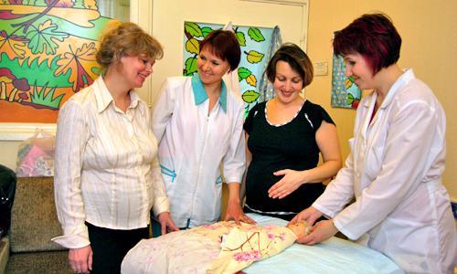 Будущих мамочек научат всему. Фото В. Бербенца